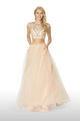 61104 2 Cute Prom