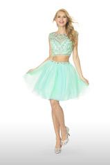 61140 2 Cute Prom