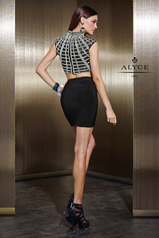 لباس شب زنانه دو تکه جدید با دامن کوتاه مشکی و کار دست