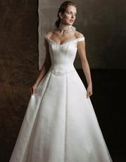 1678 Wedding Dress