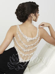 16199 Black/White back