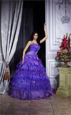 26663 Quincea�era Collection