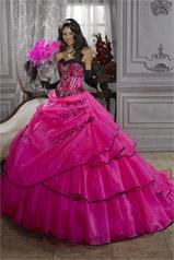 26676 Quincea�era Collection