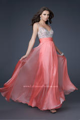 16802 La Femme Prom