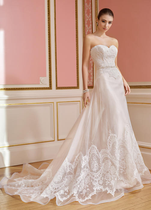 Hallie - Martin Thornburg for Mon Cheri Bridal