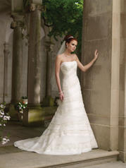 Y11012-Xandra SOPHISTICATED GOWNS