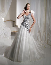 Y11119-Channing SOPHISTICATED GOWNS