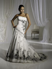 Y11121-Lacey SOPHISTICATED GOWNS