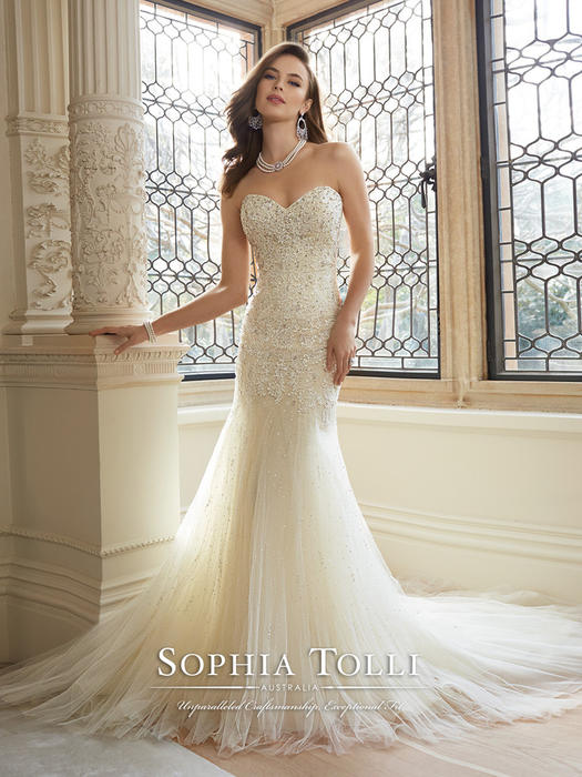 Amira - Sophia Tolli