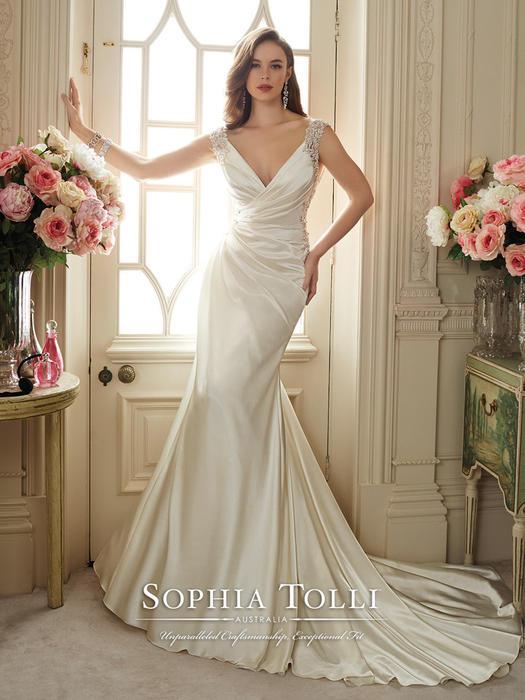 Malika - Sophia Tolli