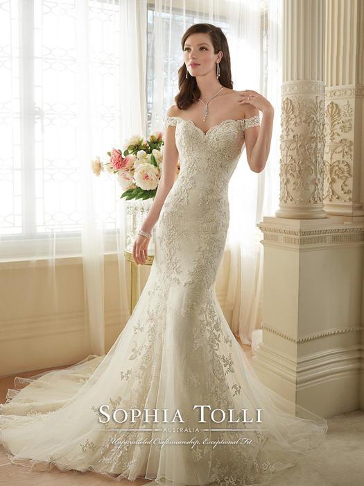 Loraina - Sophia Tolli