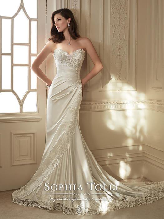 Morrigan - Sophia Tolli