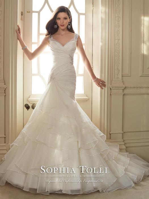 Thema - Sophia Tolli