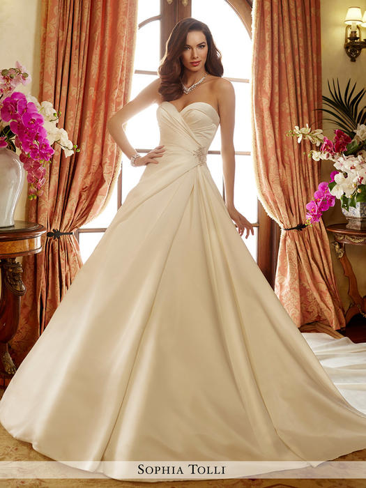 Desiree - Sophia Tolli