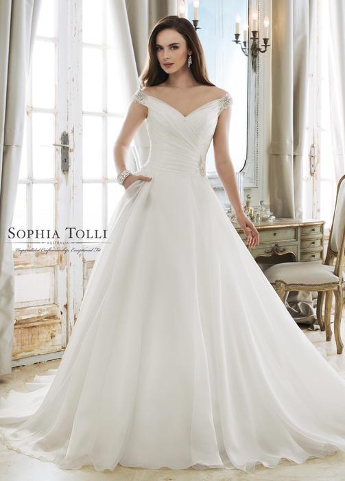 Ceres-Sophia Tolli