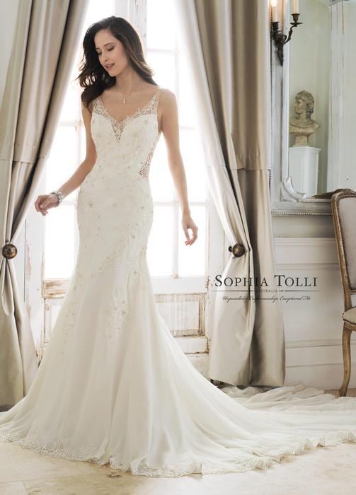 Desdemona-Sophia Tolli