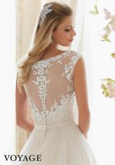 6836 Ivory/Champagne back