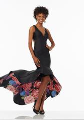 99066 Black Floral front